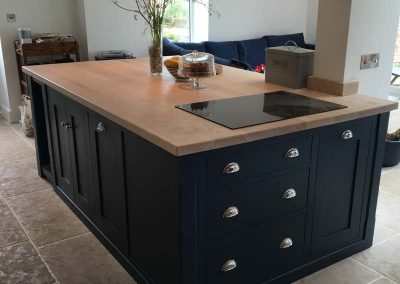 PAINTED ISLAND WITH ASH WORKTOP AND INSET HOB 5