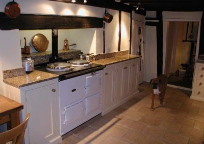 PAINTED KITCHEN WITH GRANIT WORKTOPS 10